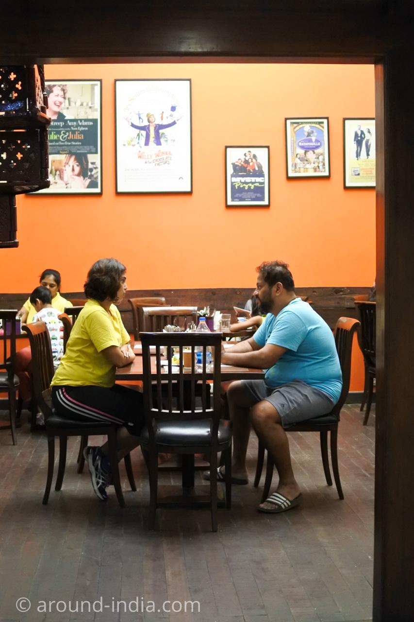 ムンバイの本屋Kitab Khana のカフェ