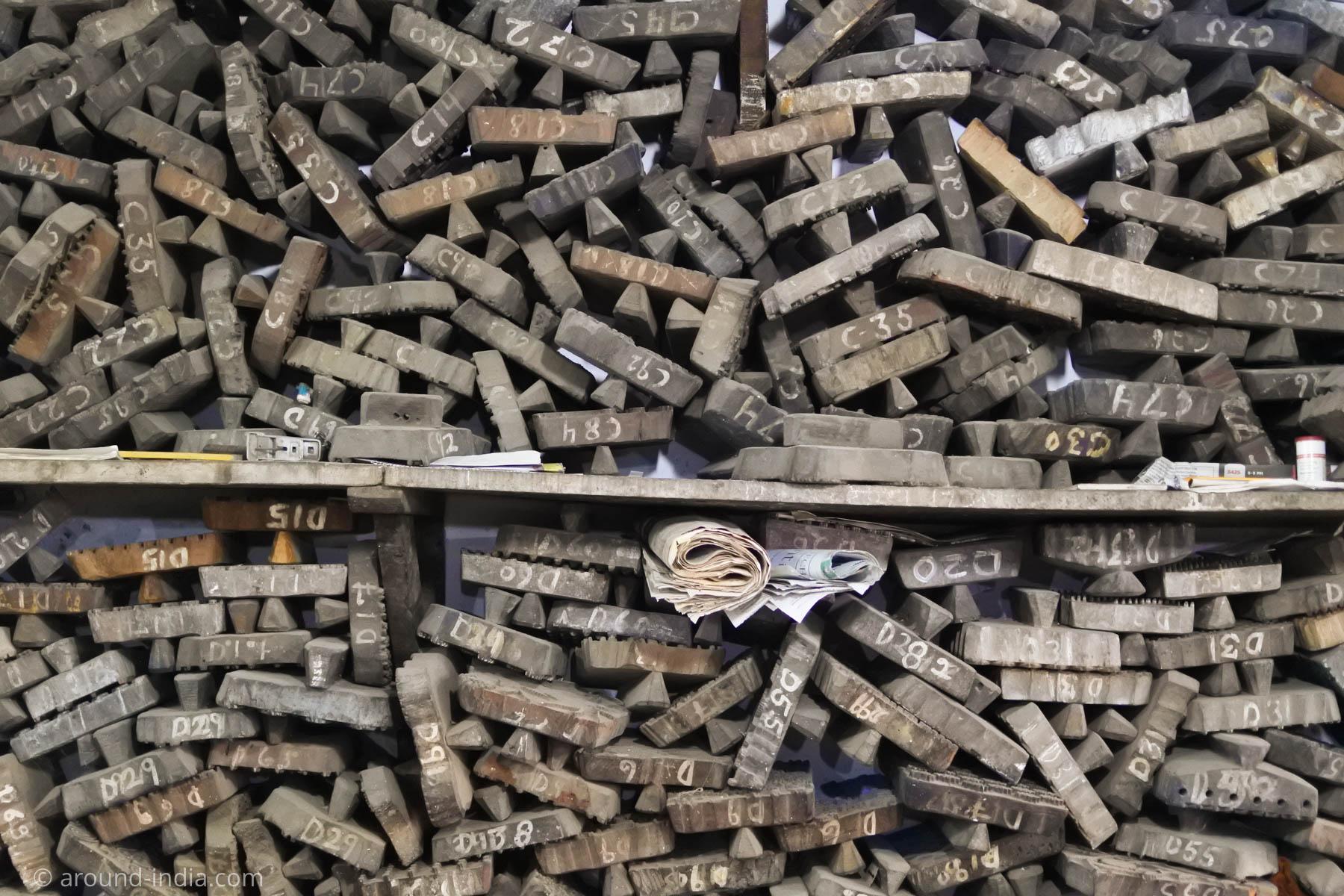 ムンバイ木版プリント工房Pracheen 壁一面の木版