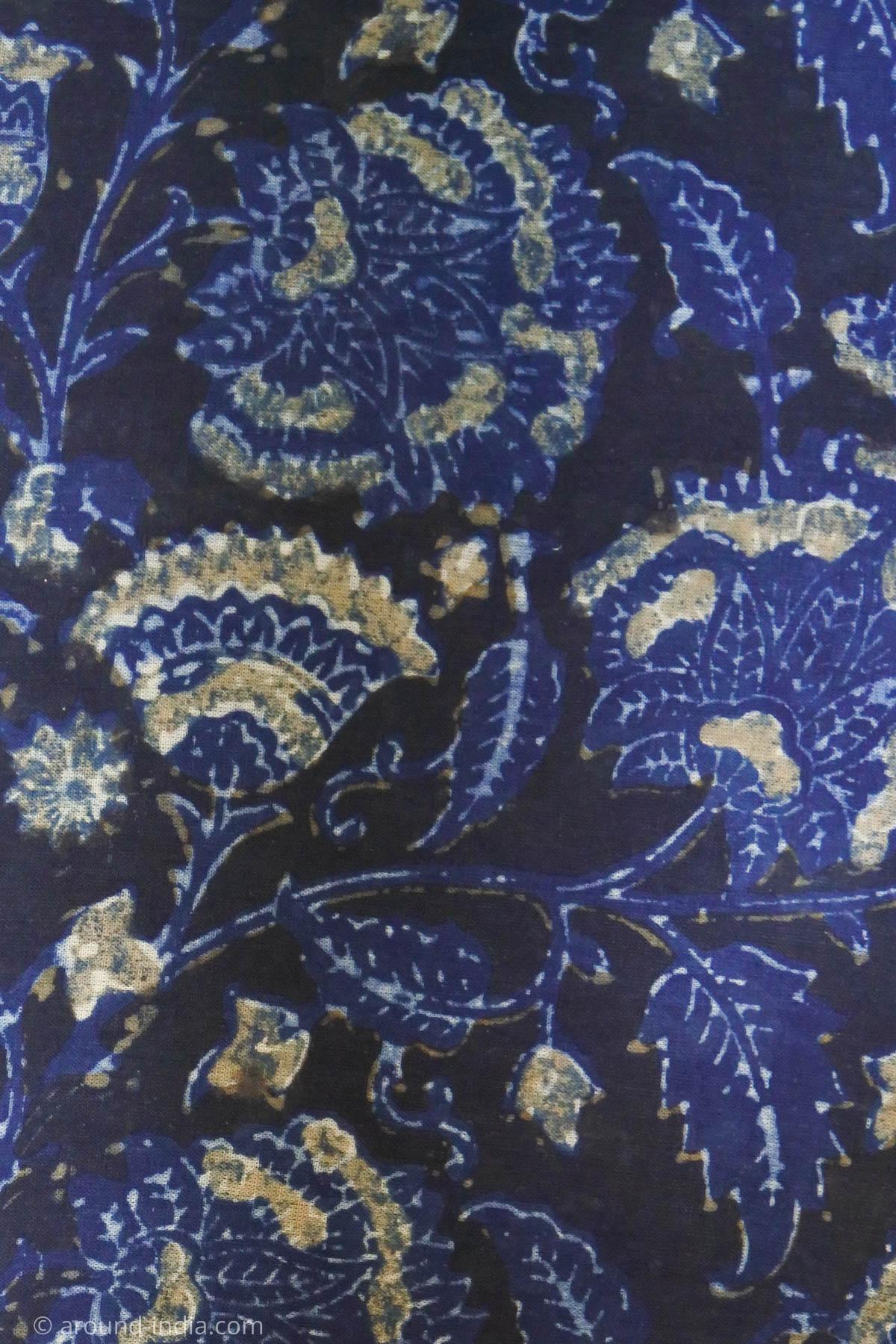 ムンバイ木版プリント工房Pracheen 完成した布