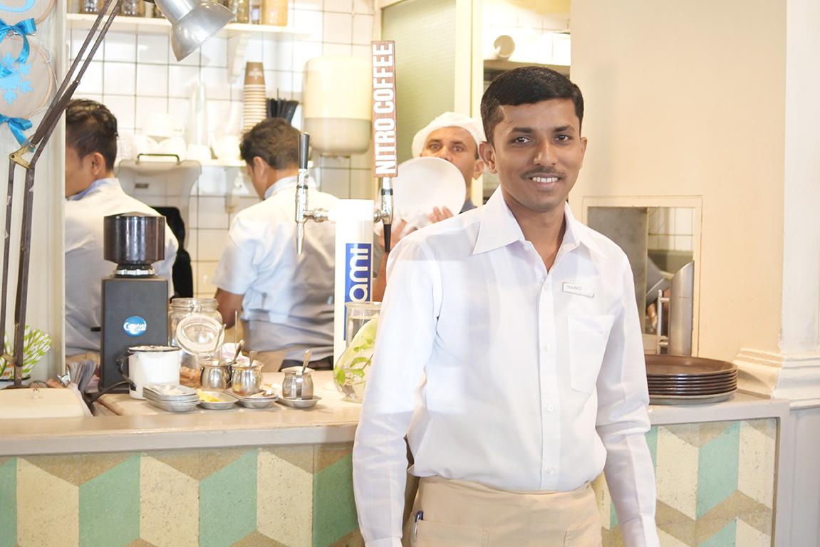 ムンバイのカフェThe Pantryのスタッフ