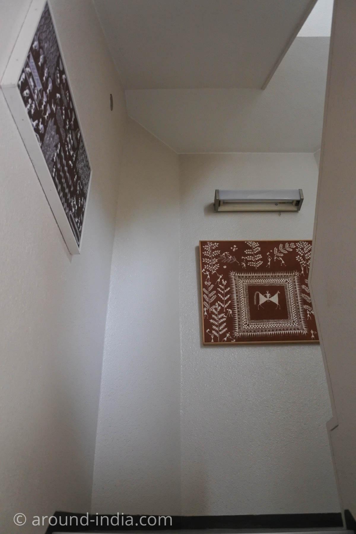 岩立フォークテキスタイルミュージアムに向かう階段