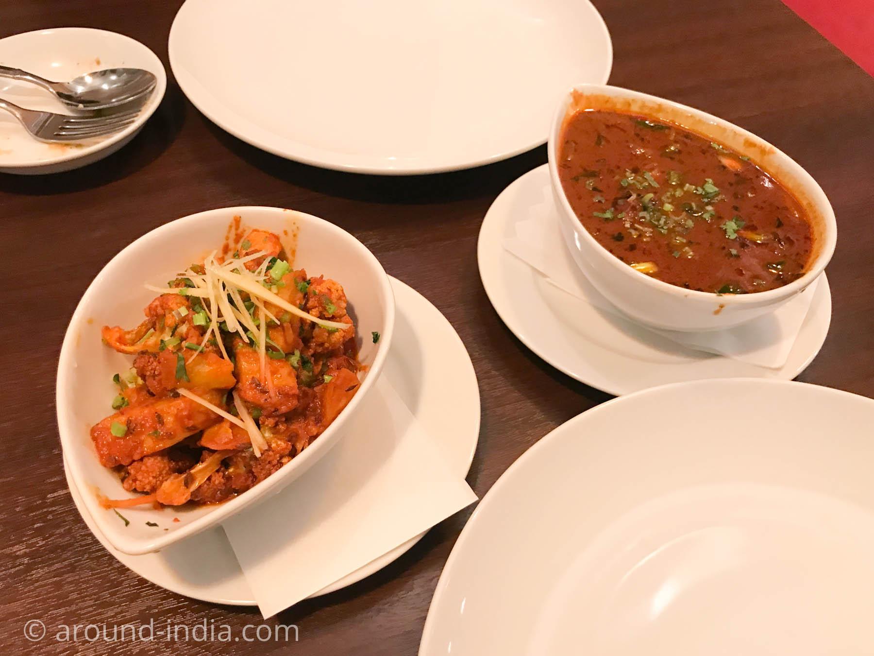 横浜中華街のインド料理店ナクシャトラ、アルゴヒとカルクディマトンカレー