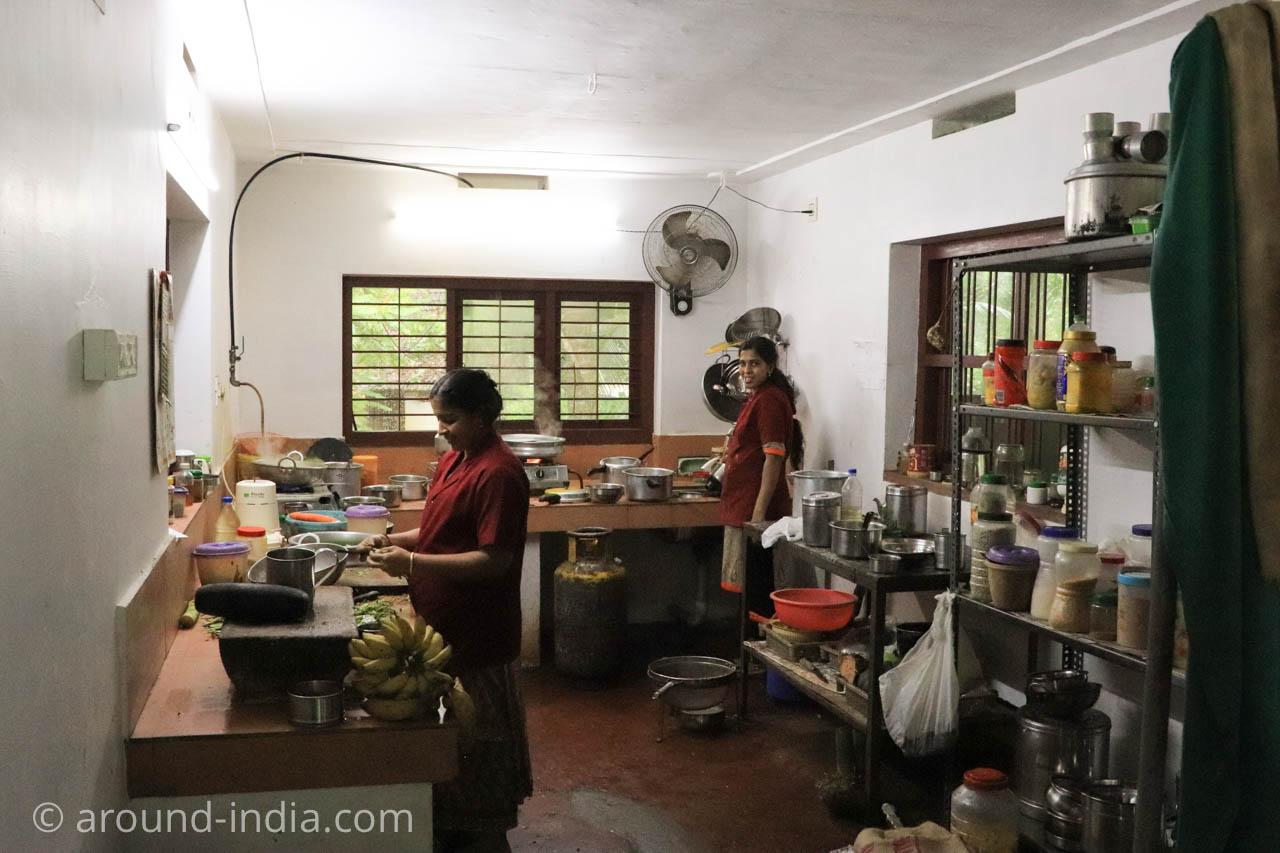 Nechiyil Ayurveda シャシクマール先生 キッチン