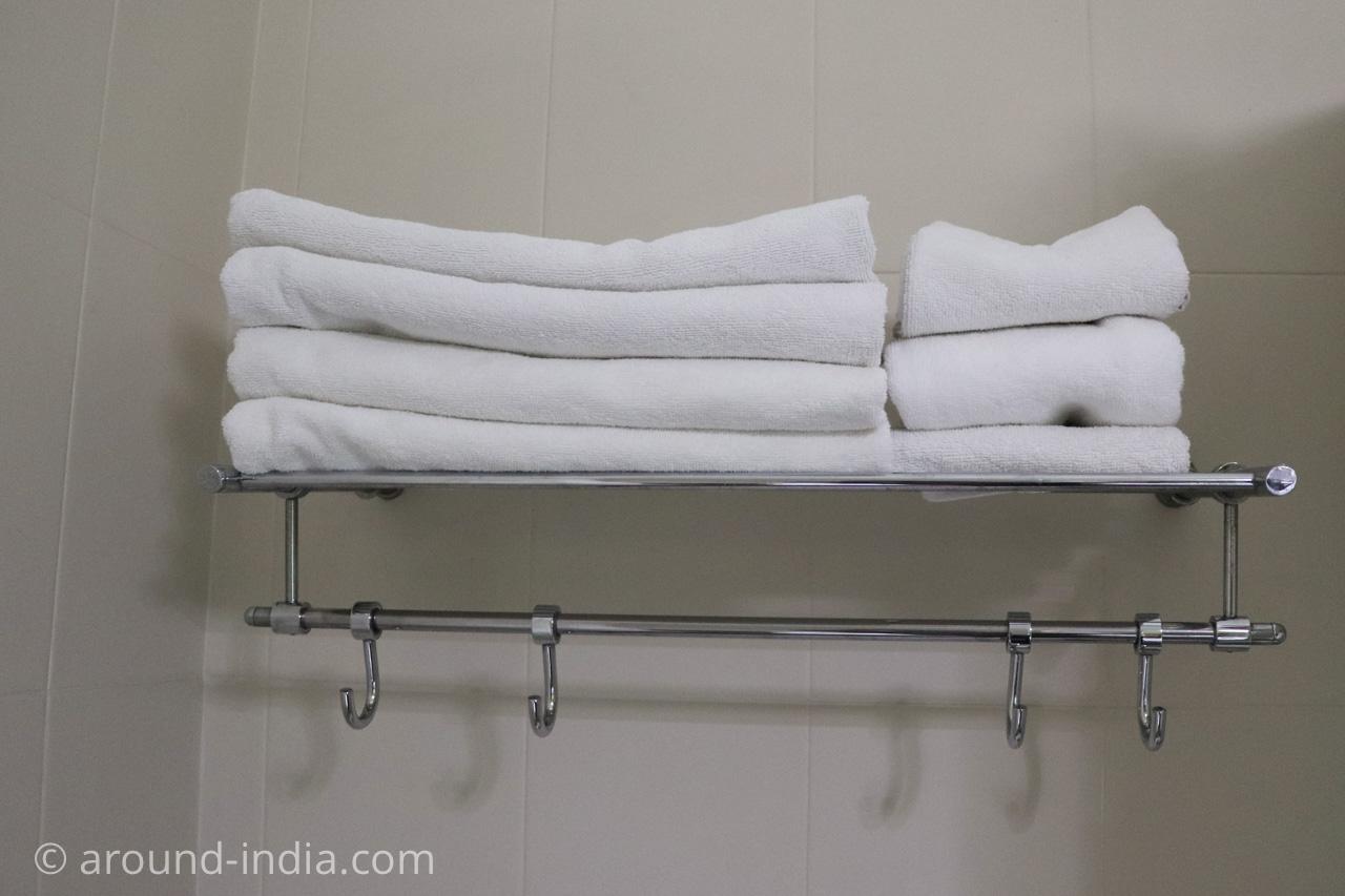 デリーのホテルHaveli Hauz Khasの清潔なタオル