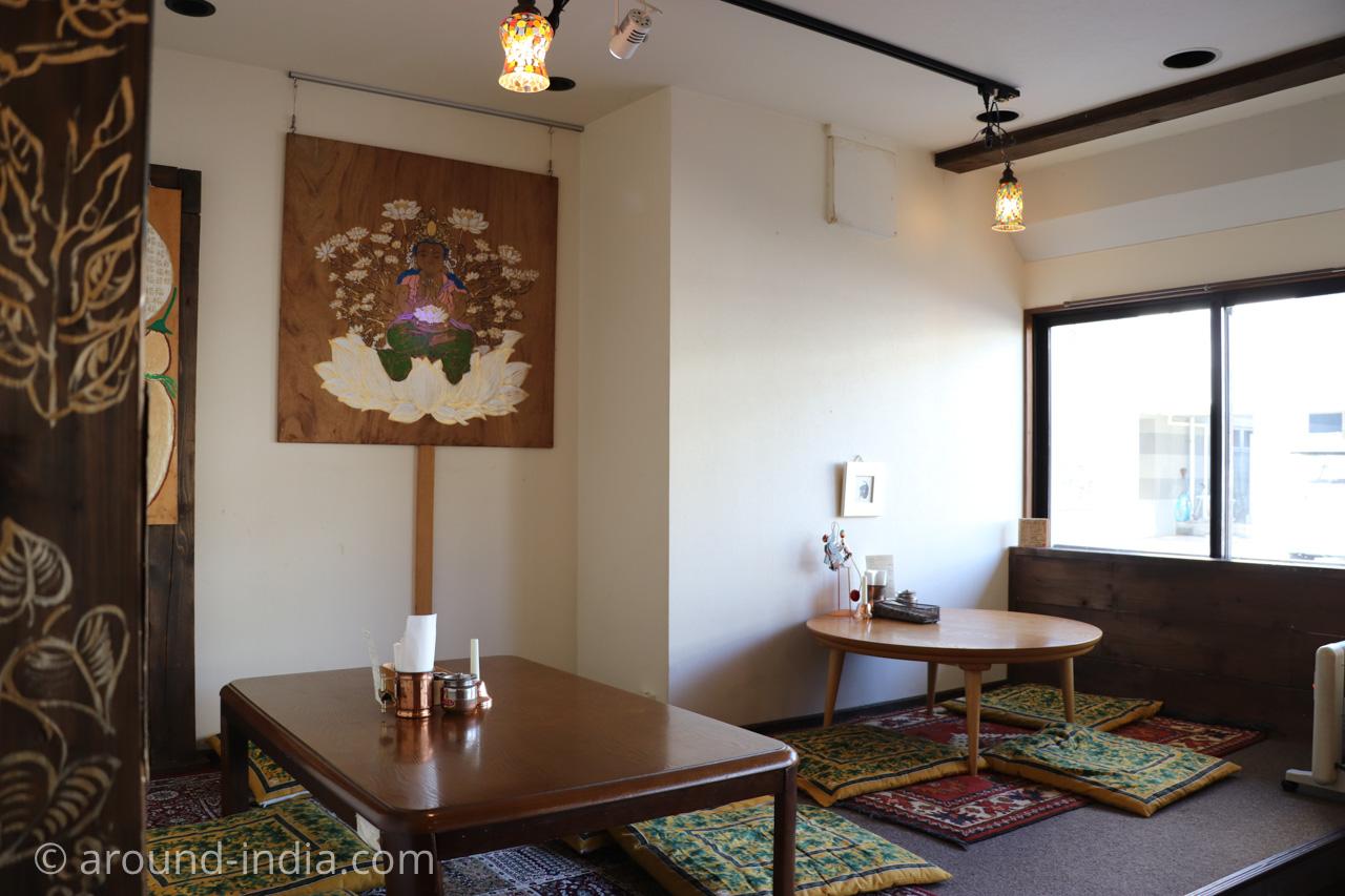 鎌倉・極楽カリーの座敷