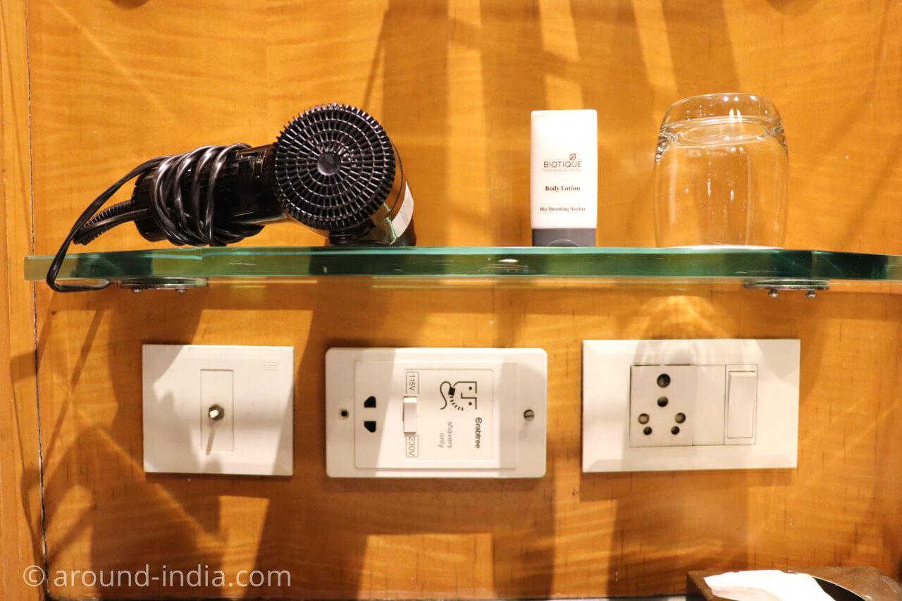 インド・デリーのホテル The Grand New Delhi バスルームのアメニティィ