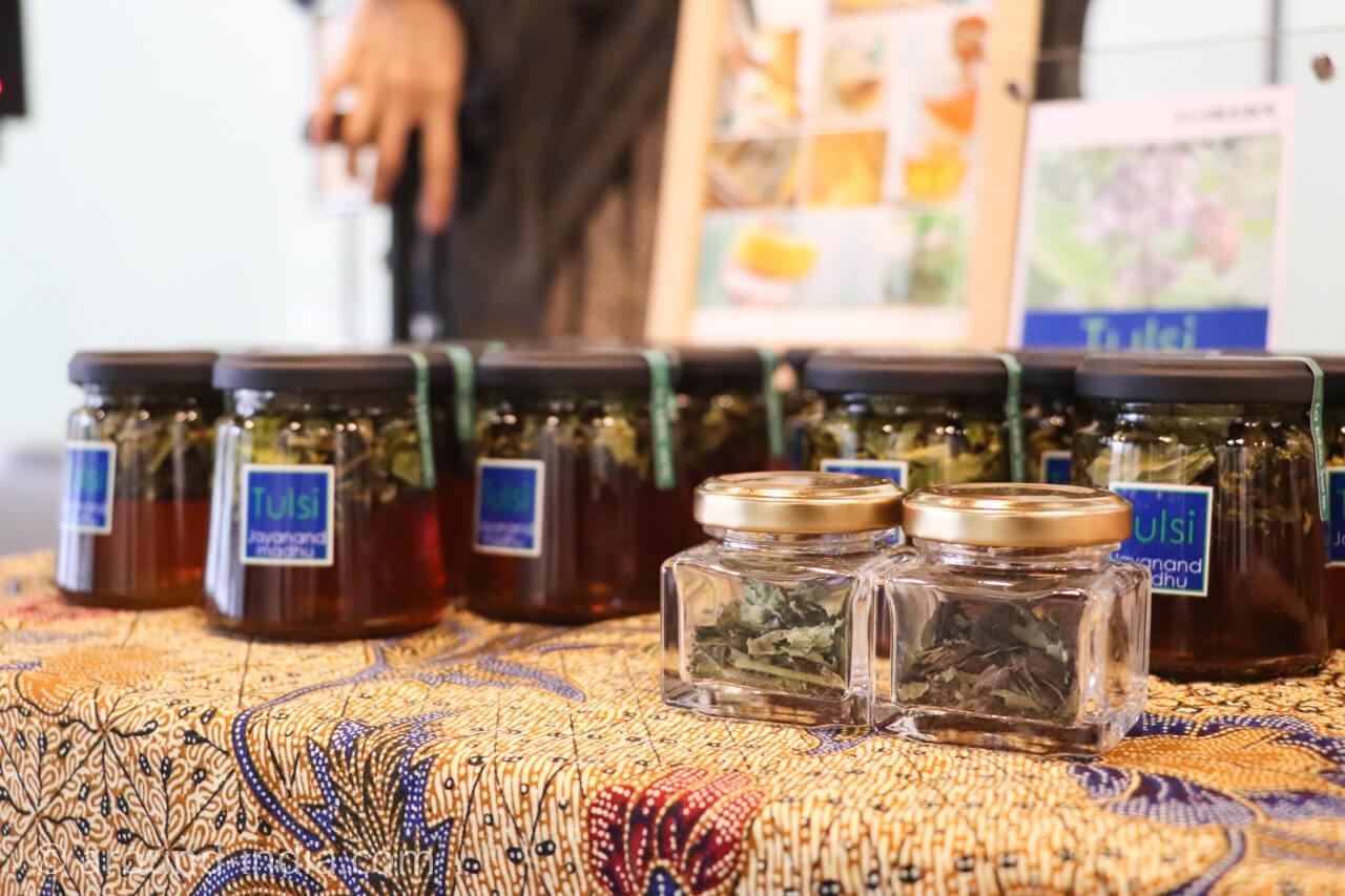 ラ ターブルベール の非加熱 トゥルシ蜂蜜 トゥルシ入