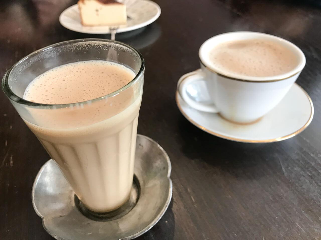 神奈川サンカリーのチャイとマドラスコーヒー