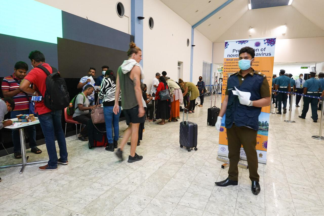 スリランカのコロンボ空港でのコロナウイルス対策