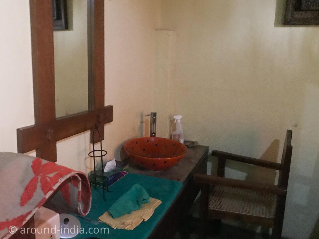 スリランカのアーユルヴェーダ siddhalepa spa トリートメントルーム