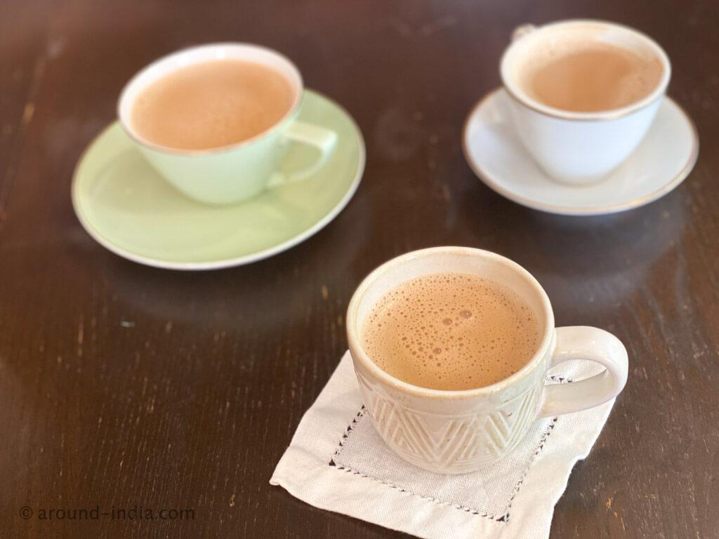 鵠沼サンカリーのマドラスコーヒーとチャイ