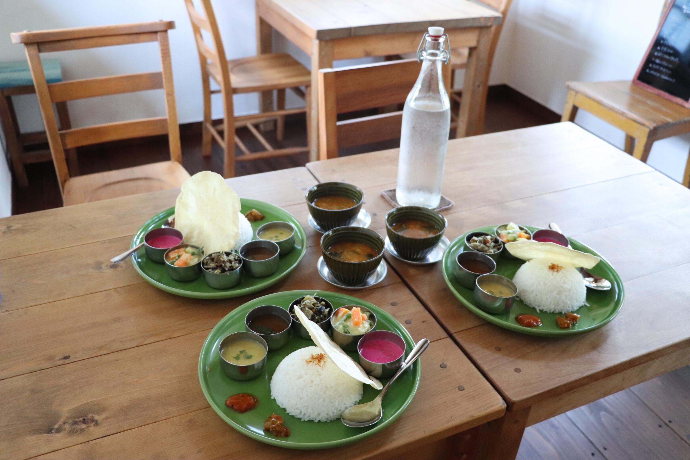 長野の南インド料理モンマルシメの今日のミールス