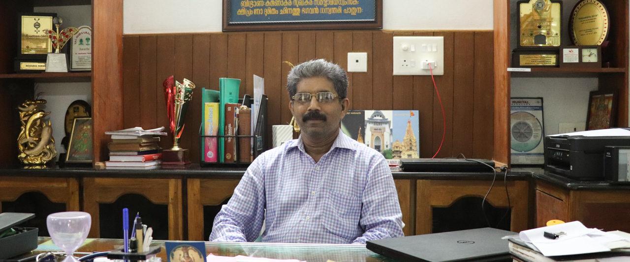 Nechiyil Ayurvedaのシャシクマール先生