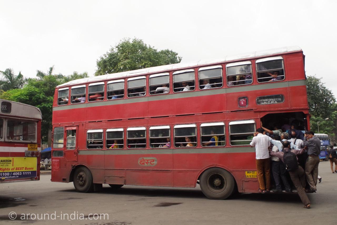 ムンバイの2階建てバスもぎゅうぎゅう