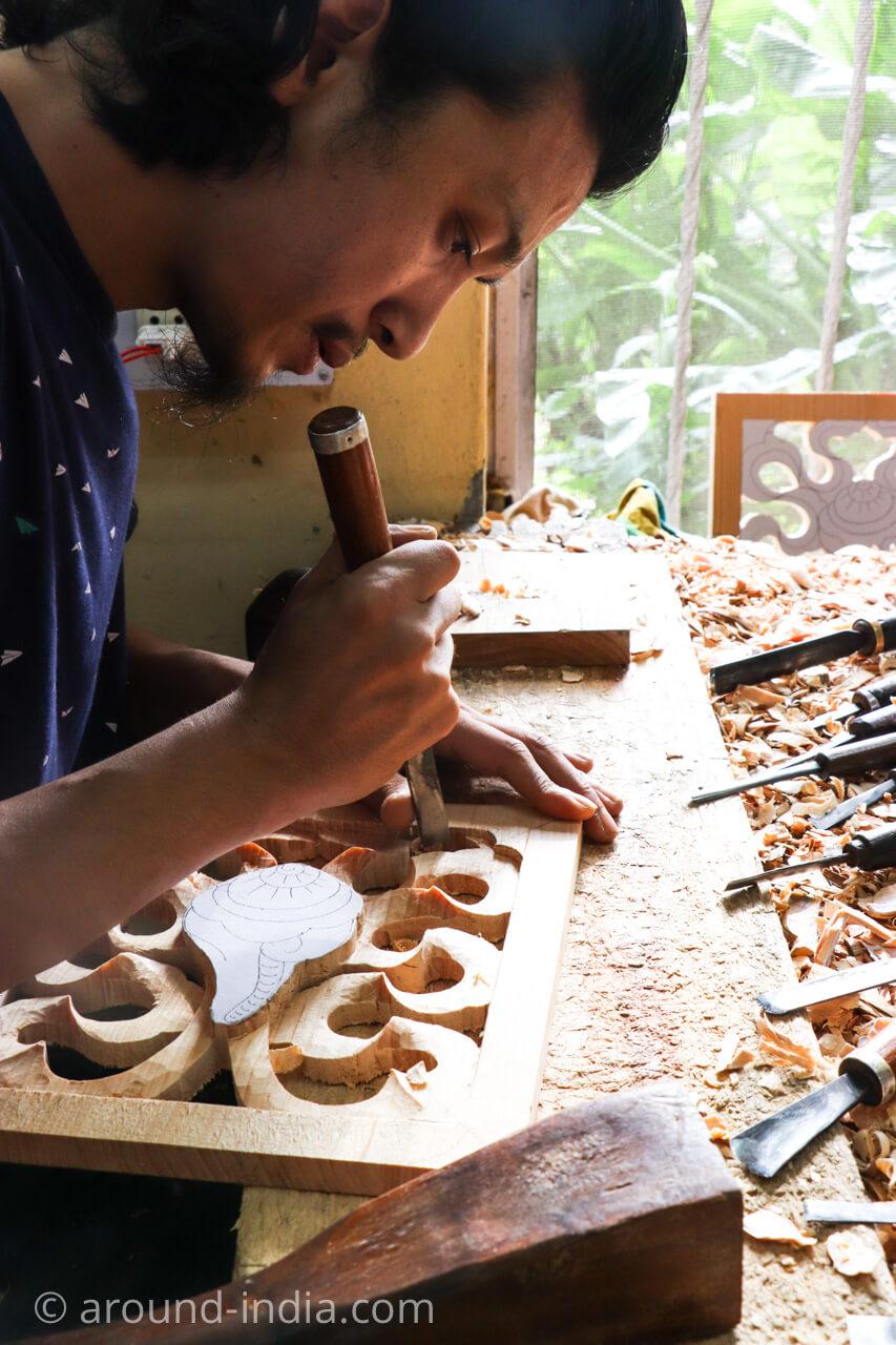 ダラムサラのノルブリンカチベット芸術 木工