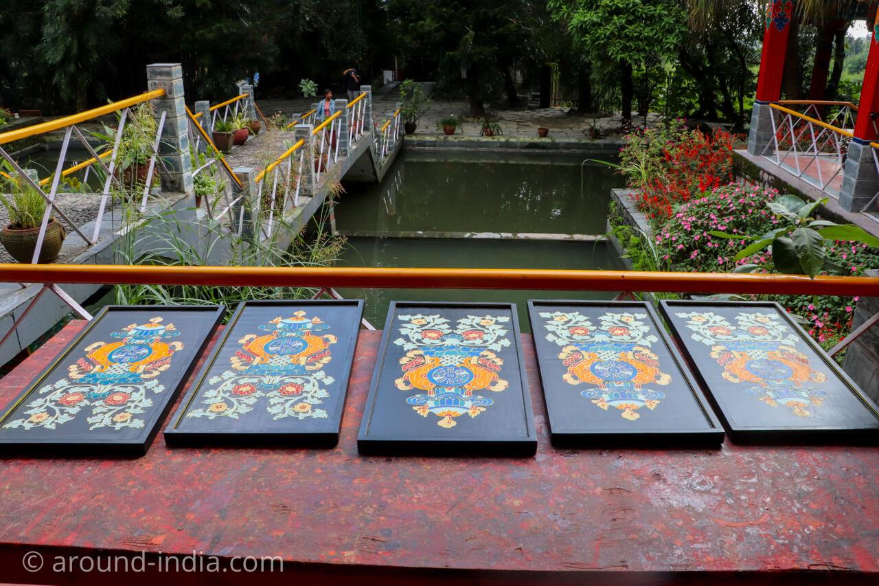 ダラムサラのノルブリンカチベット芸術 乾燥工程
