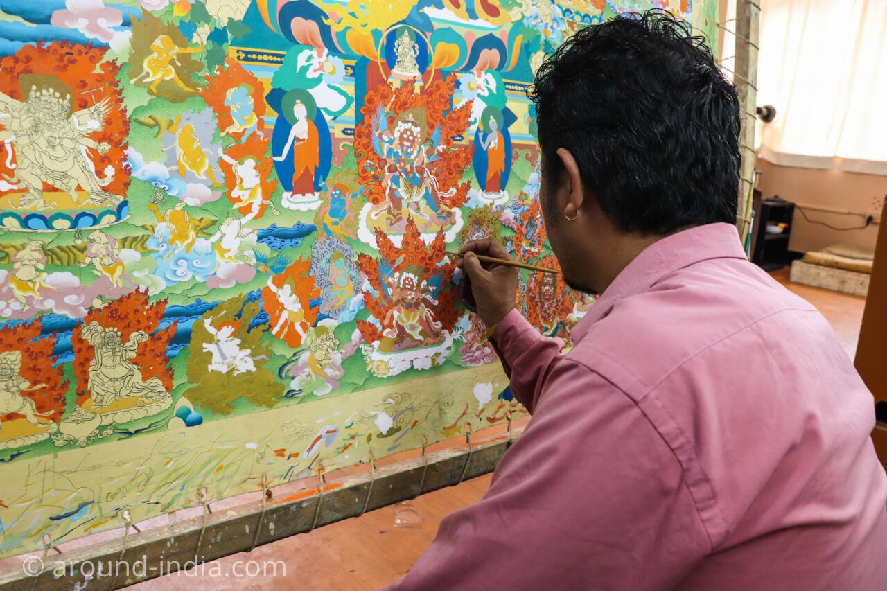 ダラムサラのノルブリンカチベット芸術 タンカ絵師