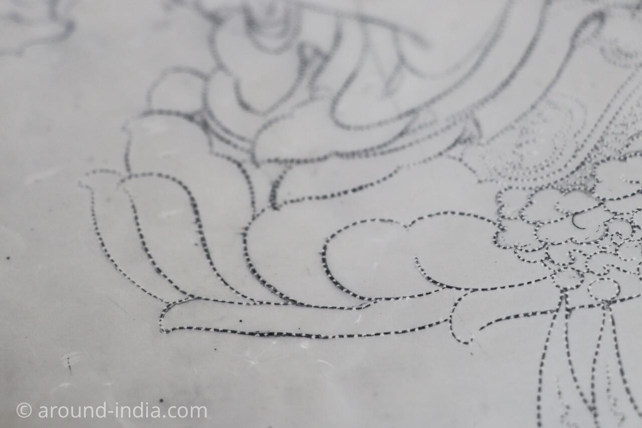 ダラムサラのノルブリンカチベット芸術 ダラムサラのノルブリンカチベット芸術 布のタンカ 下絵の方法