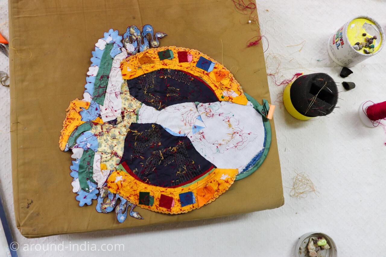 ダラムサラのノルブリンカチベット芸術 ダラムサラのノルブリンカチベット芸術 布のタンカ 裏