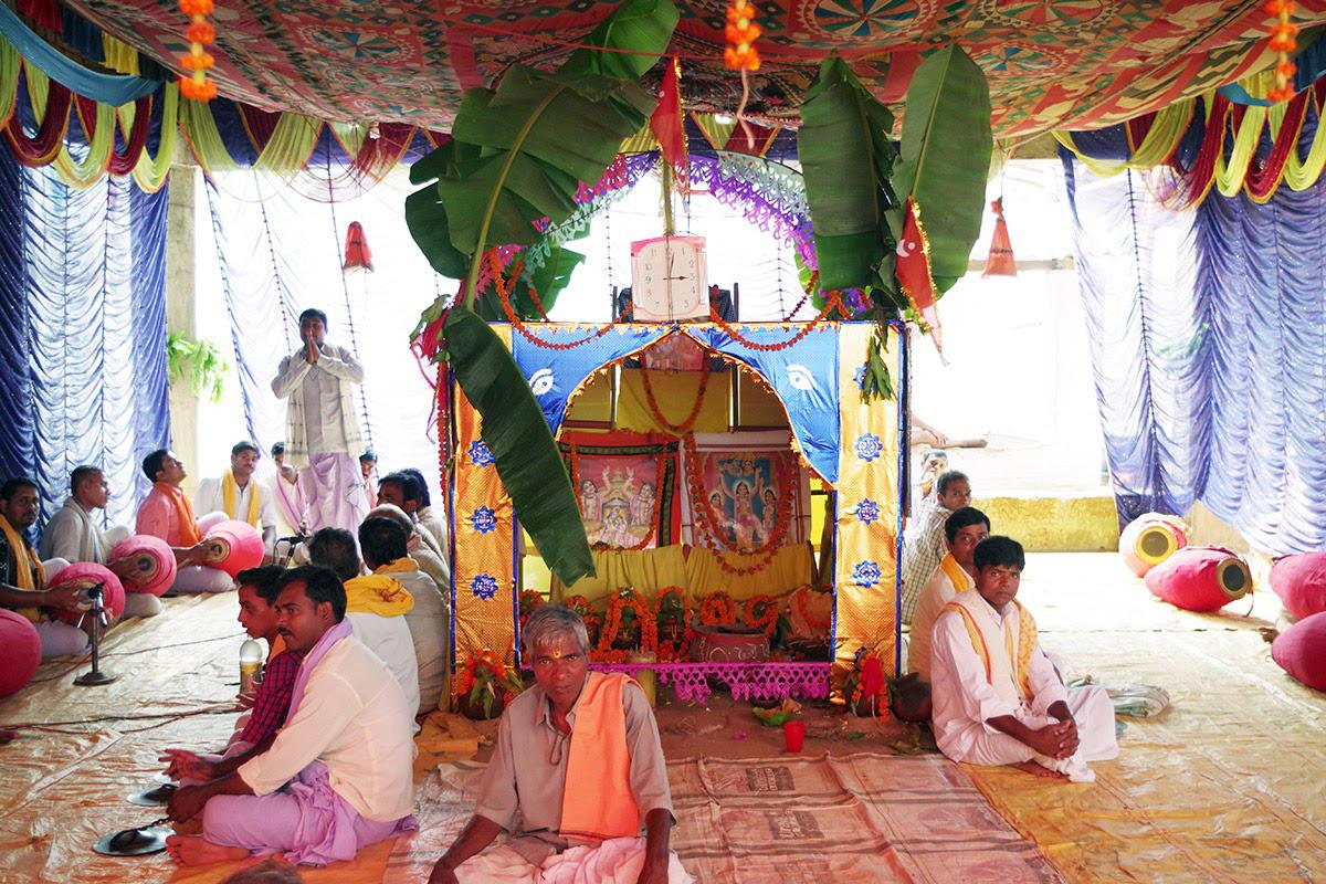 仏教徒が多い絣織りの村のお祭。オリッサ州
