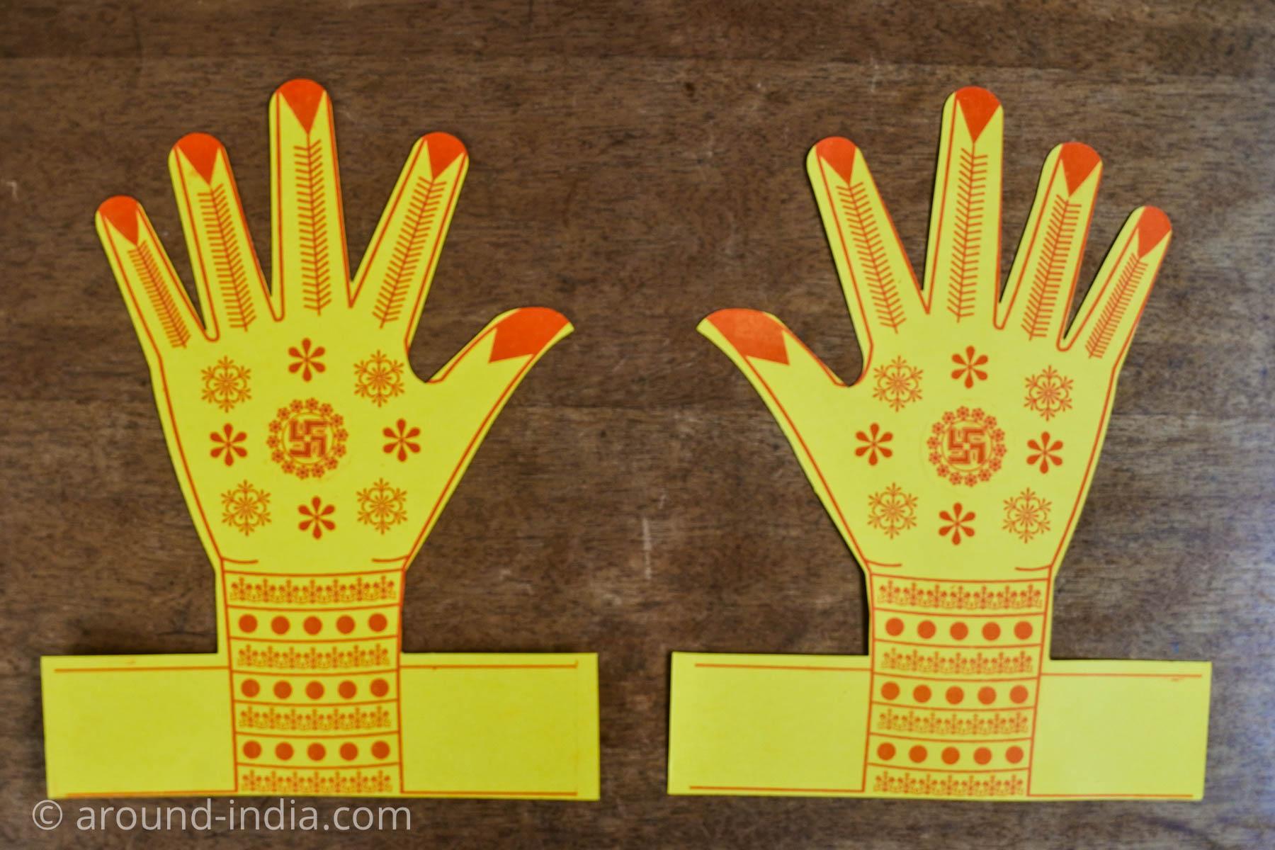ムンバイ・ネラルのローカル神様の手