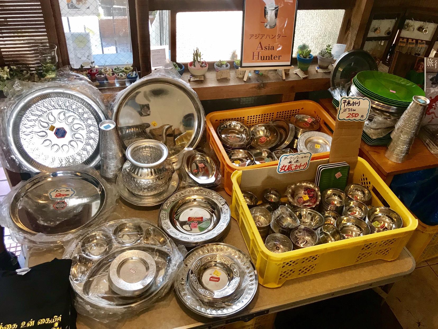 マサラワーラー食べさせられ放題 in 茅ヶ崎 アジアハンターの食器類も大盛況