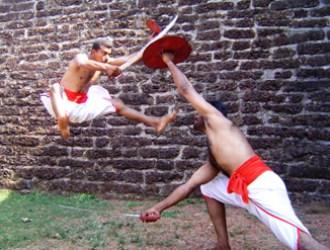 カラリパヤットゥの盾と剣