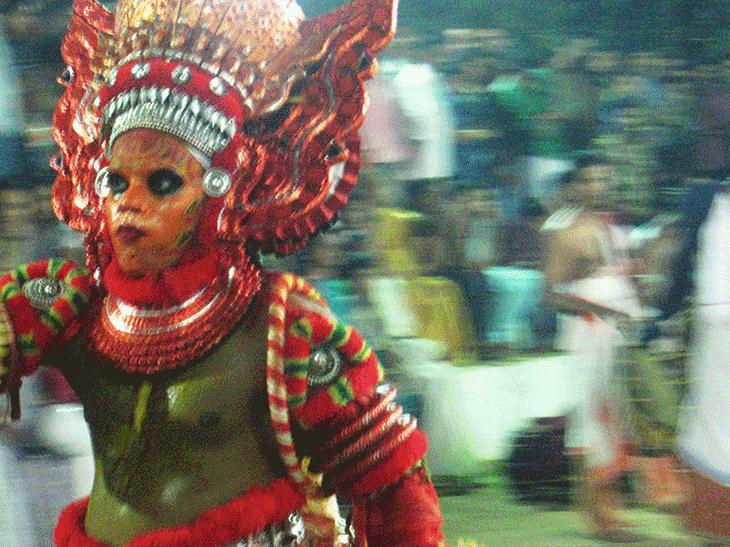 南インド・ケララ州カヌール神秘のお祭テイヤムを観に行こう!