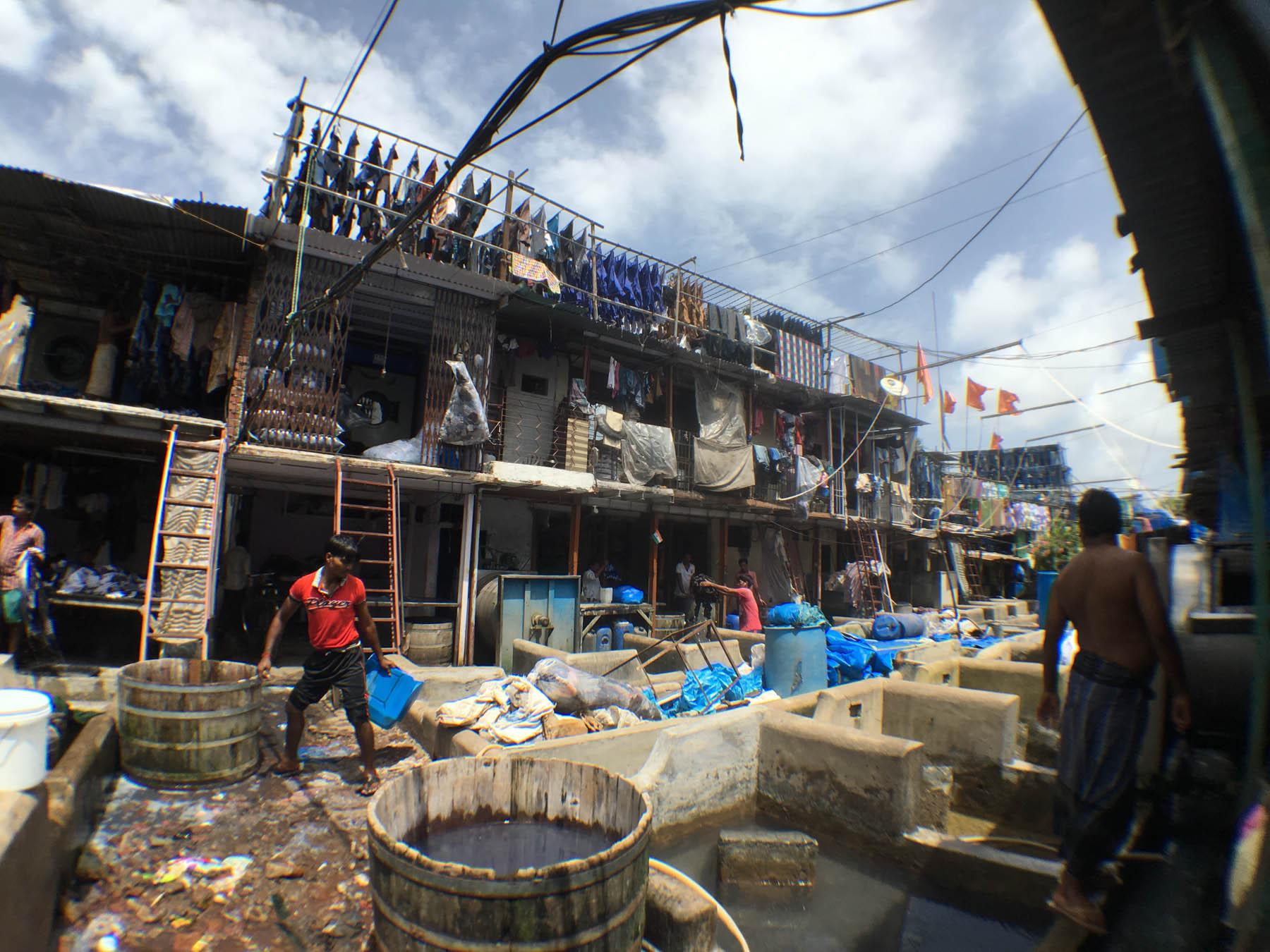 ムンバイ 巨大洗濯工場 ドービーガート