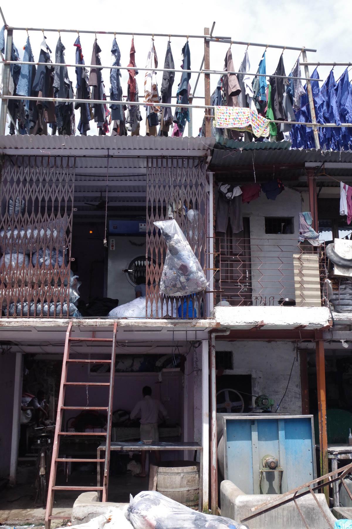 ムンバイ 巨大洗濯工場 ドービーガート 多層階
