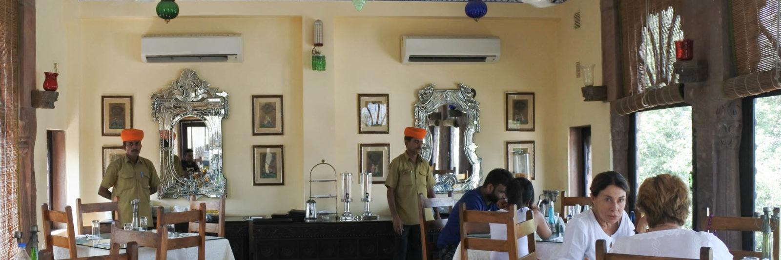 ジョードプルの邸宅レストラン Indiqueの店内