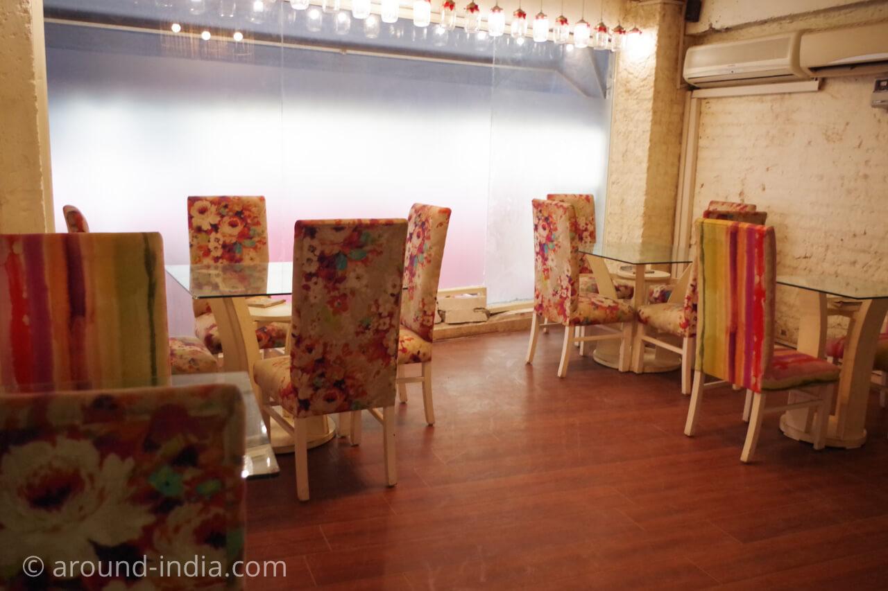 ニューデリー Ivy & Bean カフェの店内