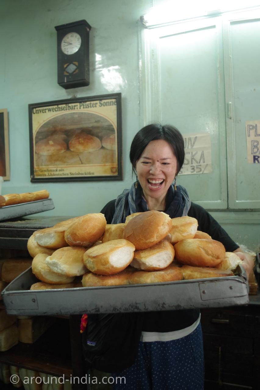 Yazdani BakeryのパンとAROUND INDIA田村ゆみ