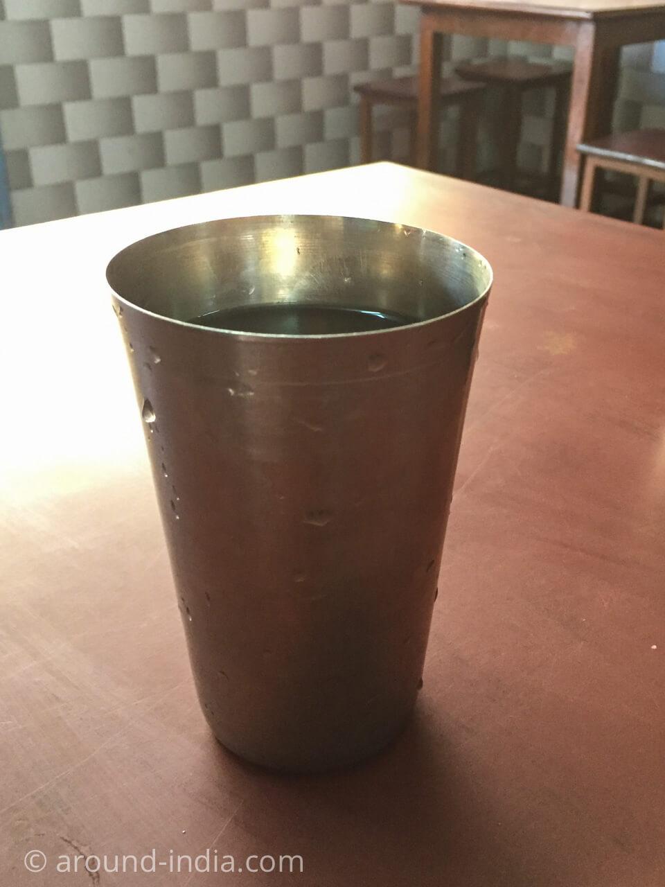 カヌールの食堂Sharanya のお湯