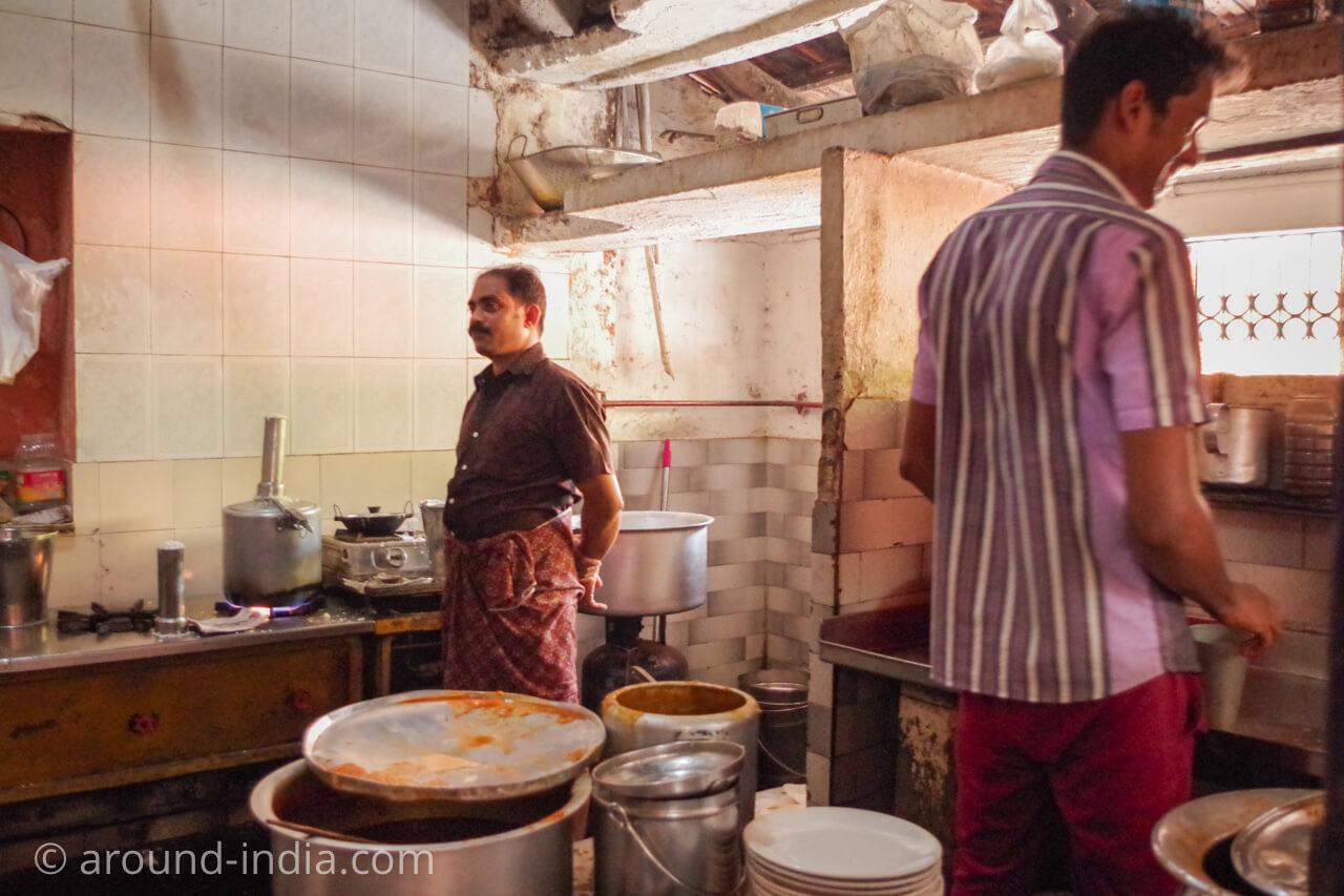 カヌールの食堂Sharanya のキッチン