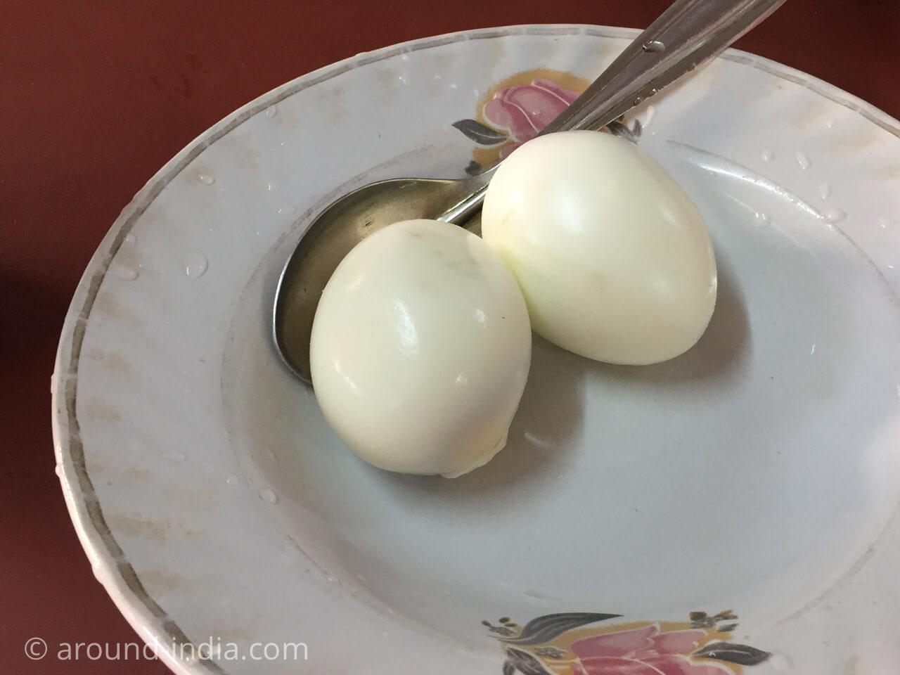 カヌールの食堂Sharanya のゆで卵