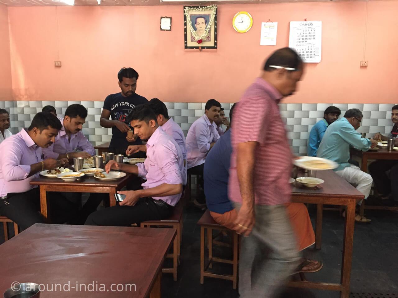 カヌールの食堂Sharanya の店内