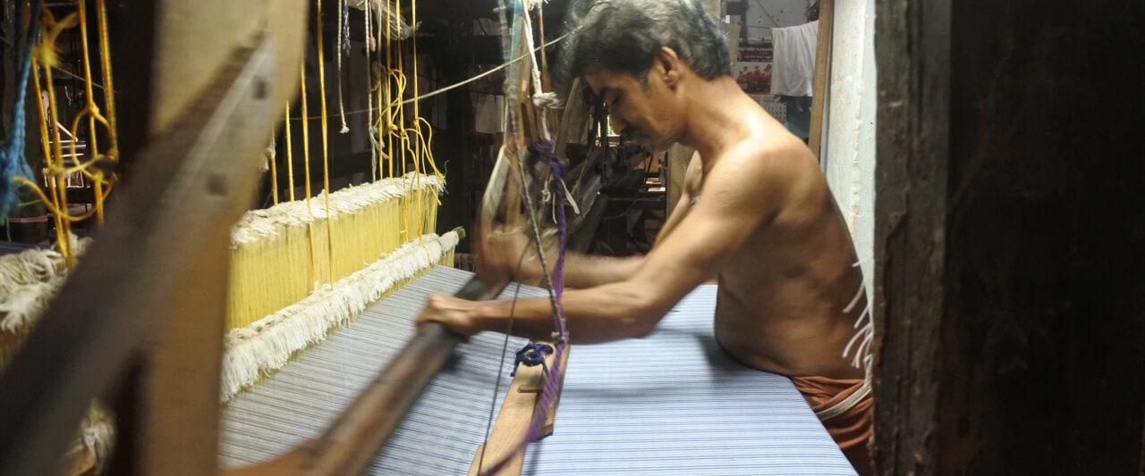 ケララの織物工房 手織り